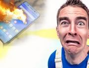 Homem com experssão de medo e celular ao fundo explodindo